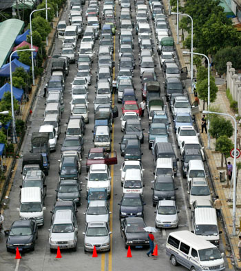 China_Petrol_Shortages_August2005